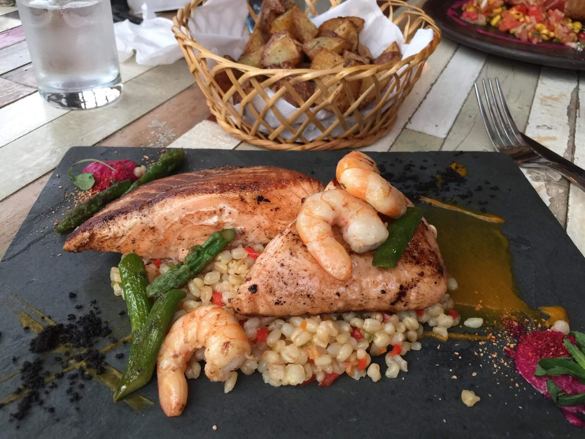 Torres_del_pine_food