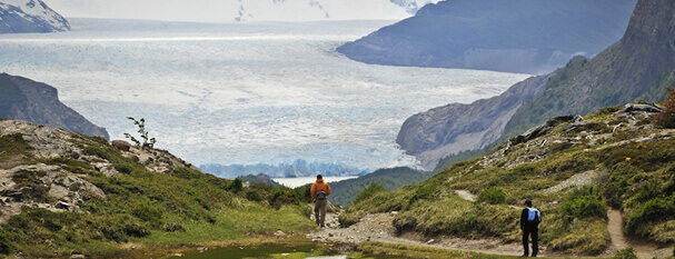 W SPECIAL + optional trekking in Grey Glacier, from US $ 555 pp